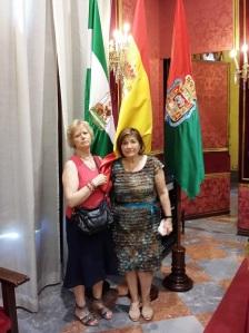 La tita Paqui y Adora.