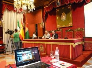 D. Francisco Ledesma presentando el acto.