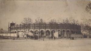 La construcción de la plaza El Sport.