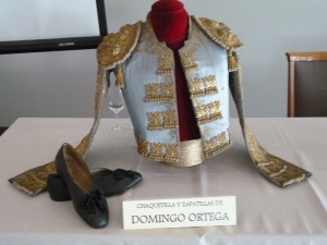 Chaquetilla y zapatillas de Domingo Ortega.