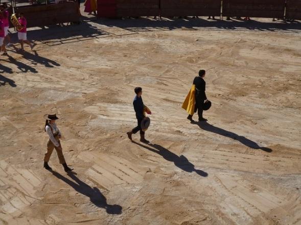 Paseíllo inicial, de izquierda a derecha: Marta, Cristian y Manuel.